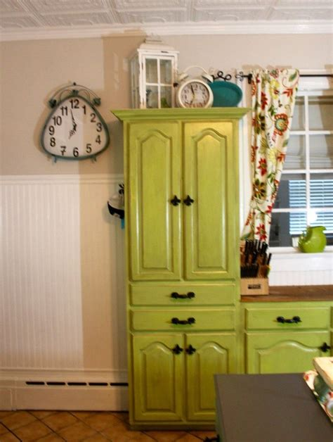 how to paint kitchen cabinets step by step step by step painting of kitchen cabinets with dixie