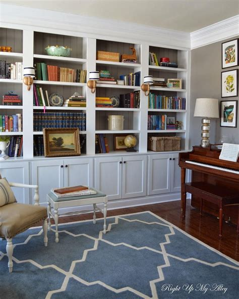 small space  lots  books blogger attracy laverty