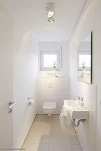 Große Fliesen Kleines Bad : die besten 25 schmales badezimmer ideen auf pinterest ~ Sanjose-hotels-ca.com Haus und Dekorationen