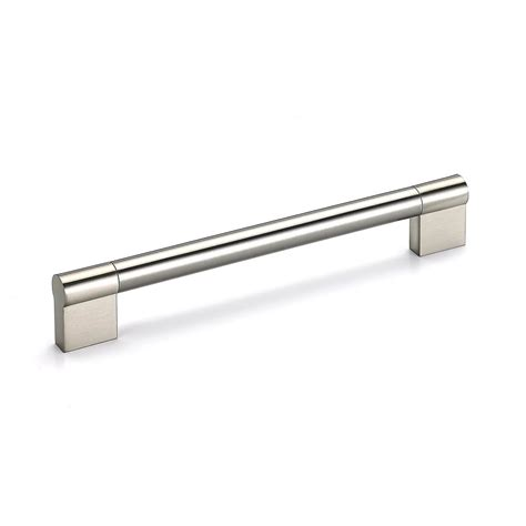 Kitchen Cabinet Hardware Richelieu by Richelieu Hardware 22 5 8 In 576 Mm Brushed Nickel