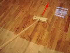applying polyurethane new finish for an hardwood floor