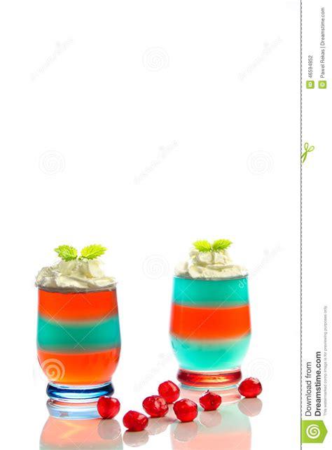 dessert avec la gel 233 e et la cr 232 me fouett 233 e photo stock image 46594852