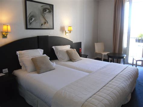 chambre suite hotel rooms and suites superior room strasbourg hotel grand