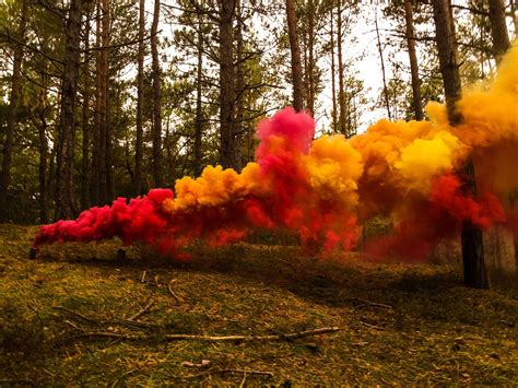 color smoke bomb how to make the ultimate colored smoke bomb