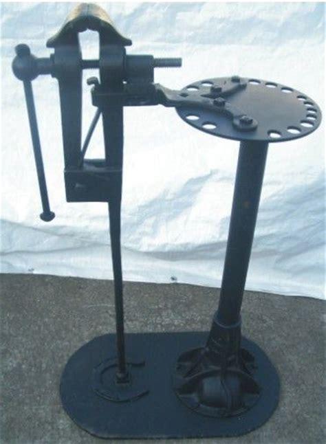 antique blacksmith vise   antique decor ideas
