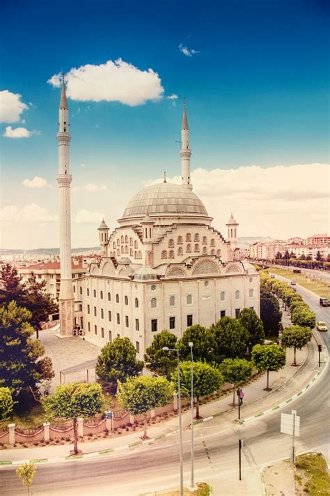 what was the capital of the ottoman this is a picture of a mosque in bursa the first capital