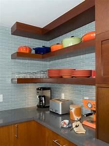 Space-Saving Corner Shelves Design Ideas