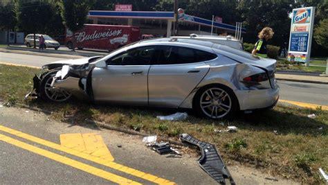 Tesla Model S Crash by Tesla Model S Crash 03 Groen7