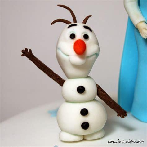 Торт ,,холодное сердце'' из мастики /eiskönigin torte. Olaf und Elsa von der Eiskönigin (mit Torte) Frozen ...