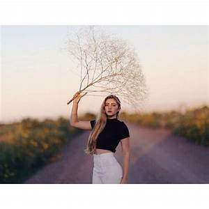 Lindsey @weekendwishing brights + whites ...Instagram ...