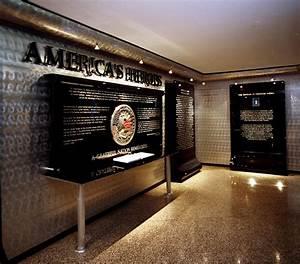 File:Indoor pentagon memorial.jpg - Wikimedia Commons