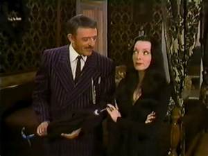 Halloween with the New Addams Family – HORRORPEDIA