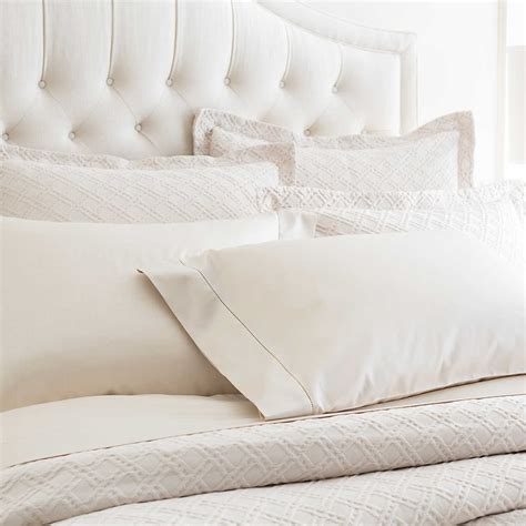 Ivory Matelasse Coverlet by Traliccio Ivory Matelass 233 Coverlet Luxe