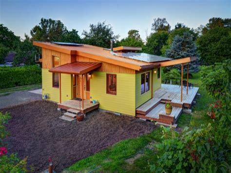 senior living floor plans  sq ft  sq ft small house interiors  small houses
