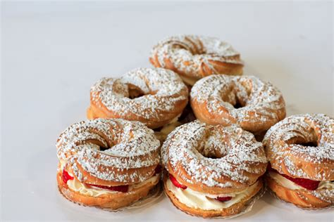 pate a choux brest cocola cakes and