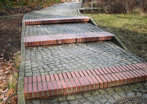 treppenabsatz bauen und berechnen stufenwege mit podest