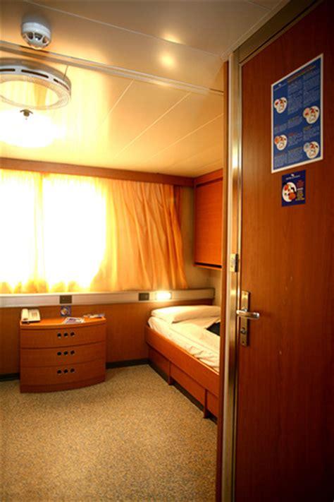 grandi navi veloci suprema gnv suprema cabine grandi navi veloci flickr