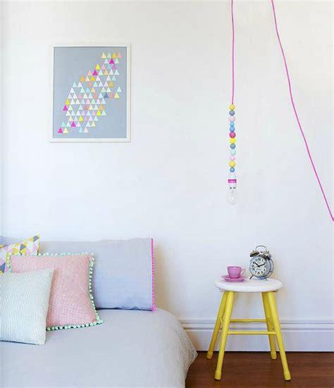 neon chambre chambre de bébé pastel et néon dans la cabine