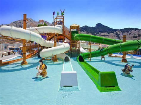 die top  hotels mit aquapark wilde wassserrutschen