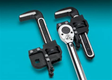 New Pipe Wrench Head Offers Greater Flexibility