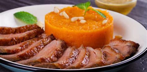 cuisiner un magret de canard au four que servir pour accompagner un magret de canard aux