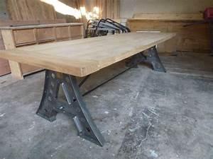 Table A Manger Industrielle : tr s grande table salle manger pieds eiffel industrielle ~ Melissatoandfro.com Idées de Décoration