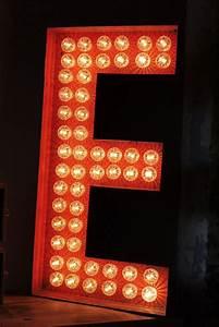 Lettre Lumineuse Deco : lettre lumineuse inspirations d co pinterest lettres lumineuses lettres et inspiration d co ~ Teatrodelosmanantiales.com Idées de Décoration