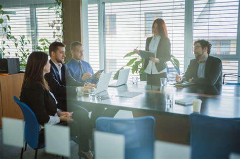 write  organized agenda   productive meeting