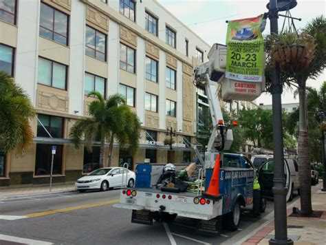 Address Of Palm Beach Boat Show by Signs Are Going Up For The Palm Beach International Boat