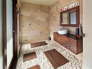 pierre naturelle dans la salle de bain choix entretien With sol en galets salle de bain