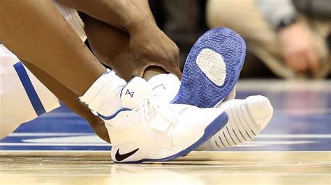 zion williamson blows  sneakers twitter reacts complex