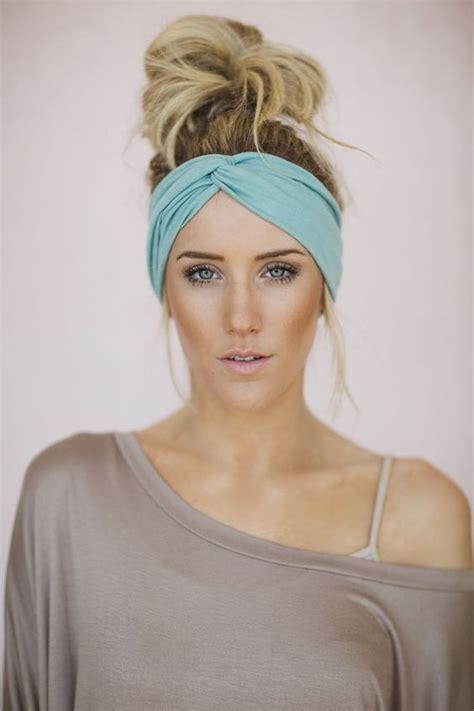 haarband richtig tragen maneiras de usar uma faixa de cabe 231 a penteados diferentes up do turbantes pelo mo 241 o