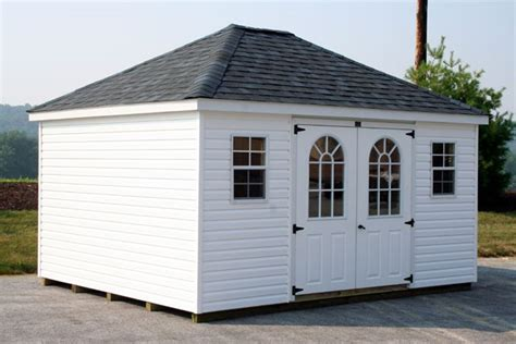 Hip Shaped Roof by 1000 Ideas About Roof Shapes On