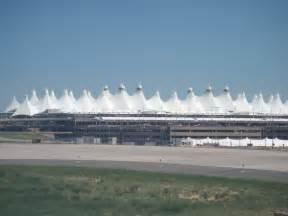 file denver international airport jpg wikimedia commons
