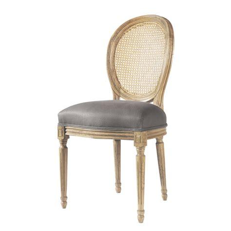 chaise médaillon maison du monde chaise médaillon en et chêne massif taupe louis maisons du monde