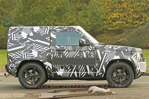 land rover defender swb spy shots