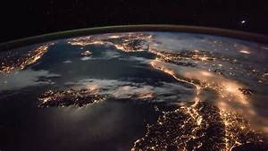 World lit up: Stunning European night sky as seen from ISS ...