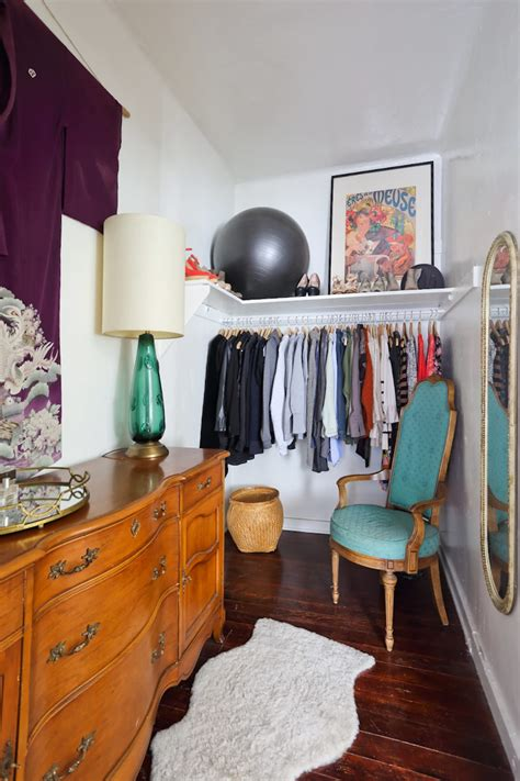 Apartment Therapy Closet by 20 Smart Ways To Organize Your Bedroom Closet Apartment