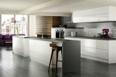 carrelage gris cuisine carrelage gris avec quelles couleurs l 39 associer