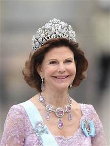 Celebrity Style Watch - Crown jewels at the Swedish royal ...