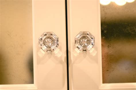 choose the best closet door knobs to satisfy your needs
