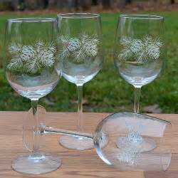 napa valley pinecone oz etched wine glass gift sets