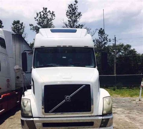 2006 volvo semi truck for sale volvo vnl670 2006 sleeper semi trucks