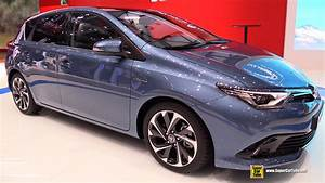 Toyota Auris 2015 : 2015 toyota auris hybrid exterior and interior walkaround 2015 geneva motor show youtube ~ Medecine-chirurgie-esthetiques.com Avis de Voitures