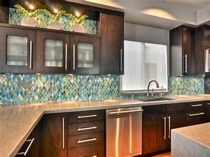 Glass backsplash ideas pictures tips from hgtv for Hgtv kitchen backsplash ideas