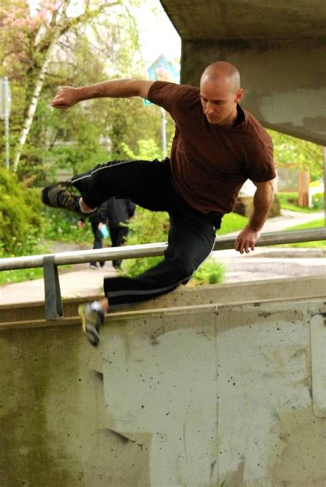 How To Do Parkour In Your Backyard by 32 Best Obstacle Course Images On