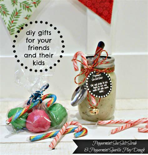 gifts for friends diy diy peppermint sea salt scrub and peppermint sparkle Diy