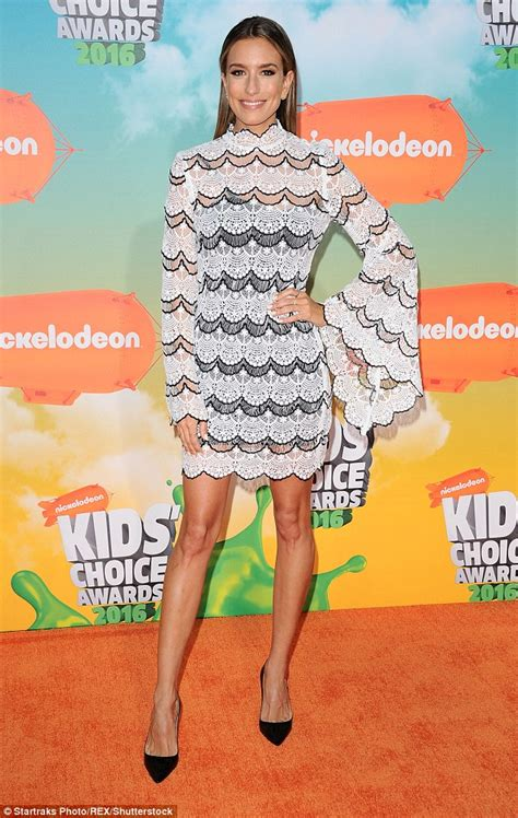 Renee Bargh flaunts her trim pins in black and white lace dress at Kidsu0026#39; Choice Awards | Daily ...