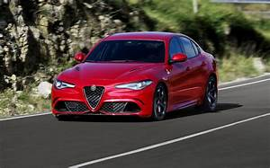 Alfa Romeo Giuletta : alfa romeo giulia quadrifoglio specs photos 2016 2017 2018 2019 autoevolution ~ Medecine-chirurgie-esthetiques.com Avis de Voitures