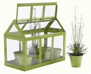 Mini Serre De Balcon : fabriquer une mini serre les tapes astuces bricolage ~ Premium-room.com Idées de Décoration